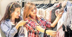 hot girl shopping