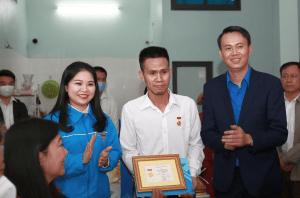 Anh hùng Nguyễn Ngọc Mạnh